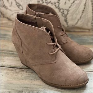 Shoes - Tan wedge side zipper ankle boots